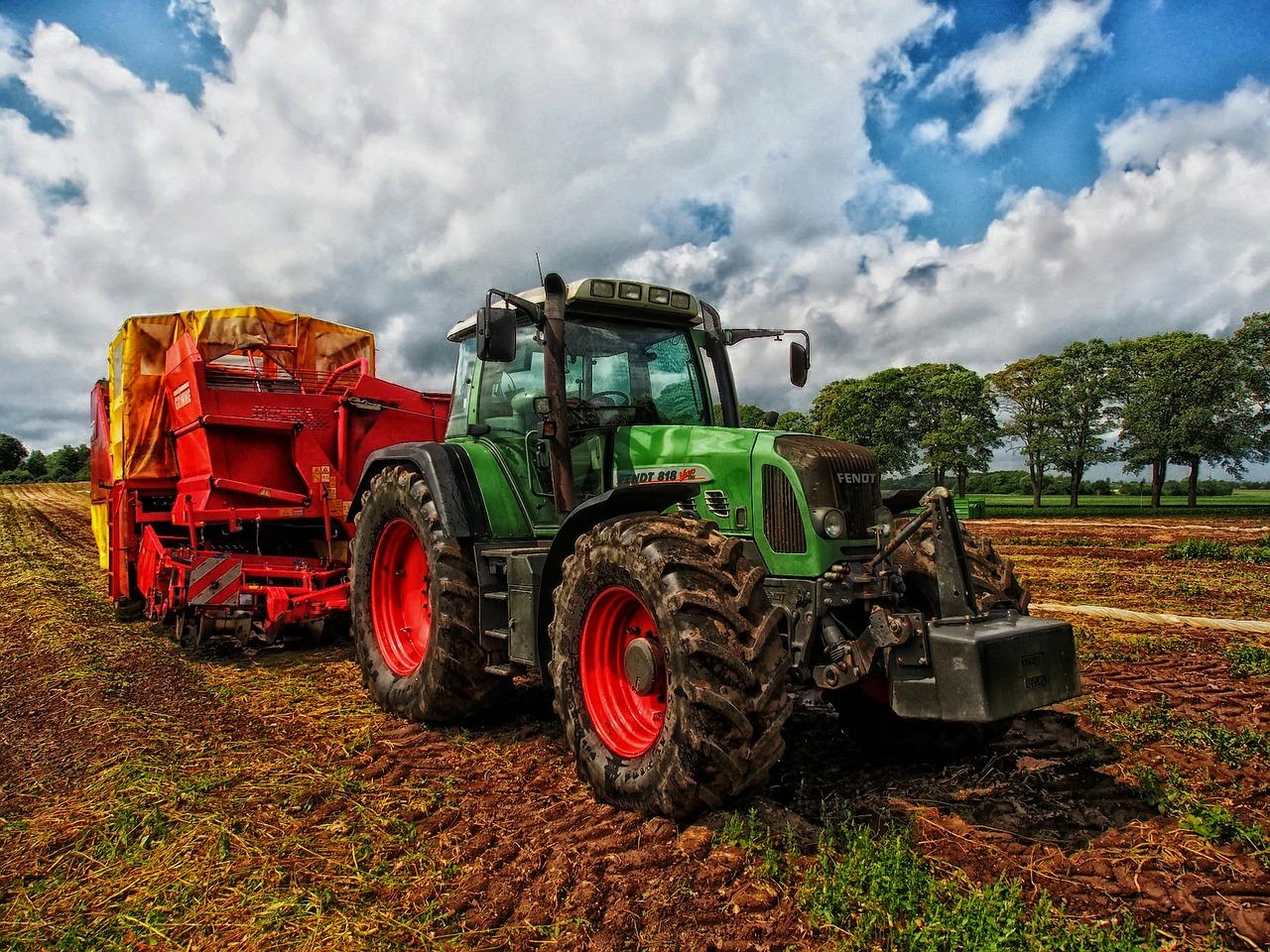 Jak wybrać ciągnik rolniczy?