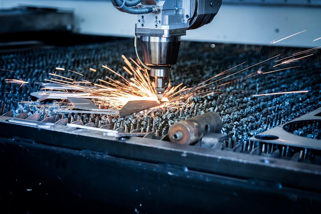Jakie są 3 najważniejsze cechy cięcia laserowego blachy?